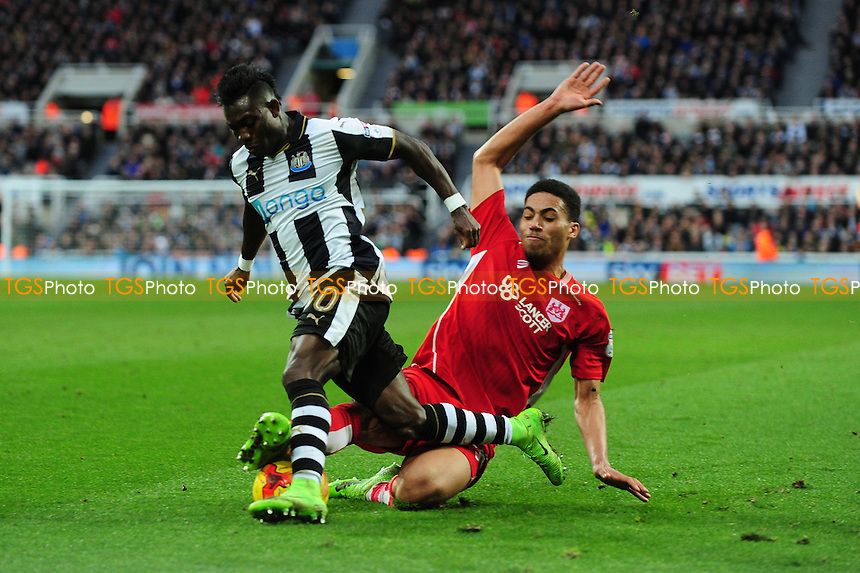 iChristian Atsu of Newcastle United battles with Zak Vyner of Bristol City during Newcastle United vs Bristol City, Sky Bet EFL Championship Football at St. James' Park on 25th February 2017