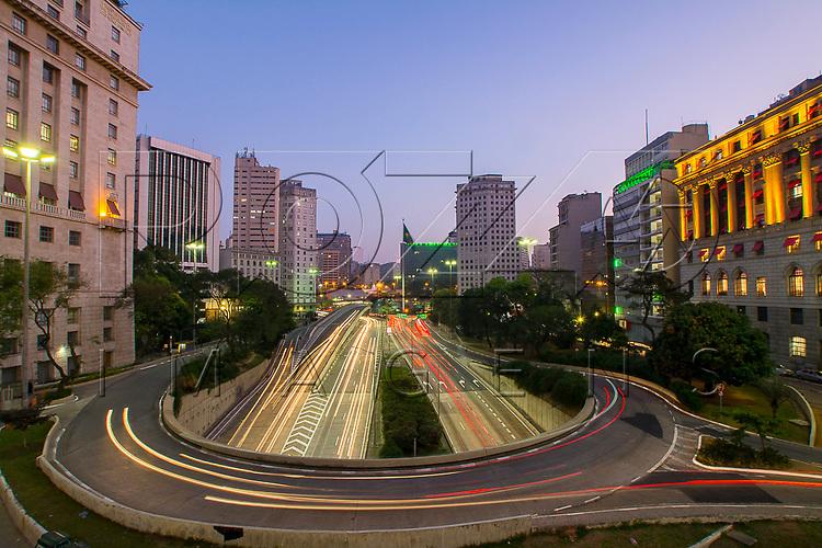 Vista do Avenida Vinte e Três de Maio e Avenida Nove de Julho a partir do Viaduto do Chá, São Paulo - SP, 07/2016.