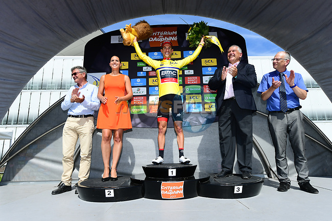 Richie Porte (AUS) BMC Racing Team takes over the race leaders Yellow Jersey on the podium at the end of Stage 6 of the Criterium du Dauphine 2017, running 147.5km from Parc des Oiseaux - Villars-les-Dombes to La Motte-Servolex, France. 9th June 2017. <br /> Picture: ASO/A.Broadway | Cyclefile<br /> <br /> <br /> All photos usage must carry mandatory copyright credit (&copy; Cyclefile | ASO/A.Broadway)