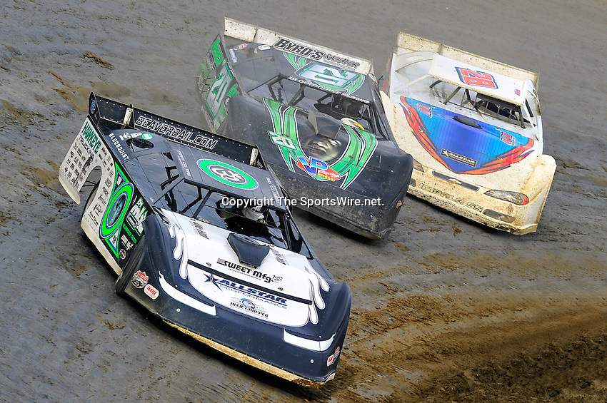 Feb 06, 2010; 3:49:23 PM; Gibsonton, FL., USA; The Lucas Oil Dirt Late Model Racing Series running The 34th Annual Dart WinterNationals at East Bay Raceway Park.  Mandatory Credit: (thesportswire.net)