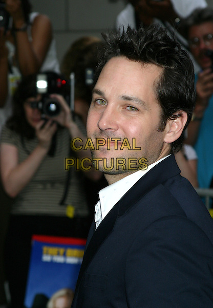 "PAUL RUDD.""Anchorman The Legend of Ron Burgundy""- New York Premiere - Outside Arrivals, The Museum of Television & Radio.New York City, New York .July 7, 2004 .headshot, portrait, stubble, facial hair.www.capitalpictures.com.sales@capitalpictures.com.©Capital Pictures"