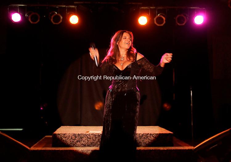 WATERBURY,  CT 11 October 2005 -101105BZ08- Singer Elena Bonelli performs at the Pontelandolfo Community Club in Waterbury Tuesday night.<br />  Jamison C. Bazinet / Republican-American