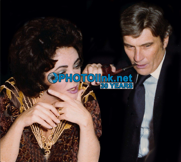 Elizabeth Taylor John Warner Undated<br /> Photo By John Barrett/PHOTOlink