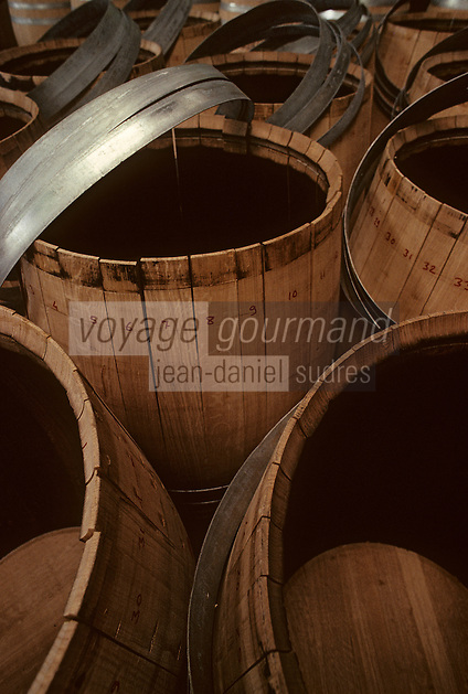Europe/France/Poitou-Charentes/16/Charente/Cognac/Tonnellerie Seguin Moreau : Détail barrique<br /> PHOTO D'ARCHIVES // ARCHIVAL IMAGES<br /> FRANCE 1990