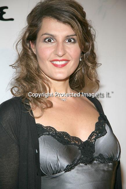 Nia Vardalos<br />Oceana's 2004 Partners Awards Gala<br />Esquire House<br />Beverly Hills, CA, USA<br />Thursday, November 11, 2004<br />Photo By Celebrityvibe.com/Photovibe.com,<br />New York, USA, Phone 212 410 5354, <br />email:sales@celebrityvibe.com