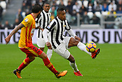5th November 2017, Allianz Stadium, Turin, Italy; Serie A football, Juventus versus Benevento; Alex Sandro plays the ball