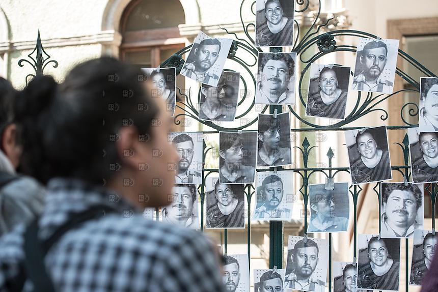 CIUDAD DE MÉXICO, Febrero 11, 2016. Periodistas protestan en la representación de Veracruz en la Ciudad de México por el asesinato de Anabel Flores y de periodistas de Veracruz en la Ciudad de México,  el 11 de febrero de 2016 FOTO: ALEJANDRO MELÉNDEZ
