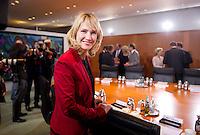 Berlin, Bundesfamilienministerin Manuela Schwesig (SPD) am Dienstag (17.12.13) im Bundeskanzleramt bei der ersten Kabinettssitzung der neuen Bundesregierung.<br /> Foto: Steffi Loos/CommonLens