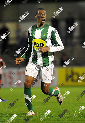 11-11-05 / Voetbal / seizoen 2011-2012 / Racing Mechelen - KV Turnhout / Gerard Lifondija..Foto: Mpics