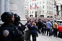 NOVA YORK , EUA 21.04.2019 - PASCOA-NOVA YORK - Populares são vistos durante a Parada de Páscoa em frente a catedral de São Patricio em Nova York nos Estados Unidos neste domingo, 21. (Foto: Vanessa Carvalho/Brazil Photo Press)
