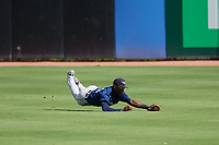 Lakeland Flying Tigers center fielder Daz Cameron (25) makes a diving catch during a game against the Dunedin Blue Jays on May 27, 2018 at Dunedin Stadium in Dunedin, Florida.  Lakeland defeated Dunedin 2-1.  (Mike Janes/Four Seam Images)