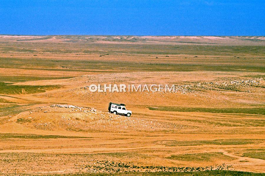 Deserto do Naribe, Angola. 1991. Foto de Ricardo Azoury.