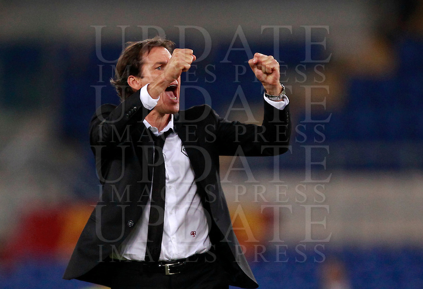 Calcio, Serie A: Roma vs Verona. Roma, stadio Olimpico, 27 settembre 2014.<br /> Roma&rsquo;s coach Rudi Garcia greets fans at the end of the Italian Serie A football match between AS Roma and Hellas Verona at Rome's Olympic stadium, 27 September 2014. Roma won 2-0.<br /> UPDATE IMAGES PRESS/Isabella Bonotto