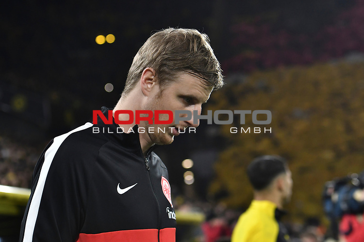 14.02.2020, Signal Iduna Park, Dortmund, GER, 1. BL, Borussia Dortmund vs Eintracht Frankfurt, DFL regulations prohibit any use of photographs as image sequences and/or quasi-video<br /> <br /> im Bild / picture shows / Martin Hinteregger (#13, Eintracht Frankfurt) Portrait, Halbportrait, Bild, Einzel, Einzelaufnahme, picture, single, solo, alleine <br /> <br /> Foto © nordphoto/Mauelshagen