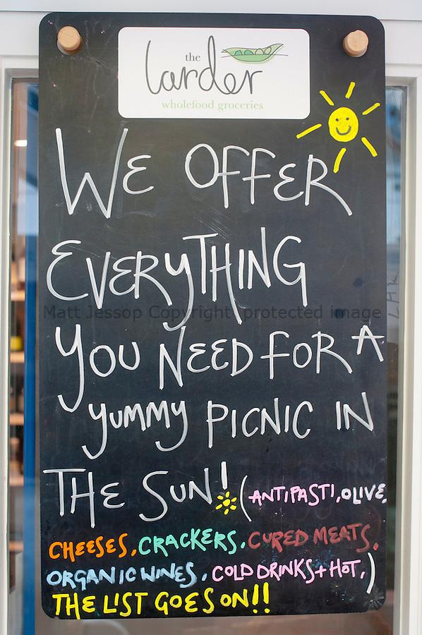 picnic sign