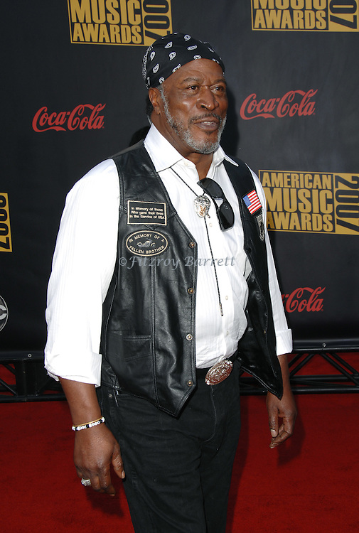 John Amos arrives at the 2007 American Music Awards held at the Nokia Theatre Los  Angeles, Ca. November 18, 2007.  Fitzroy Barrett