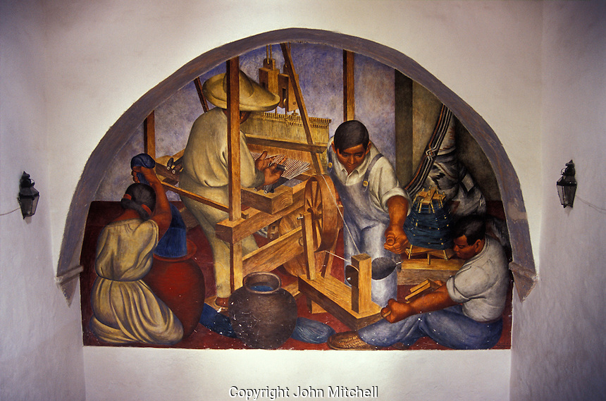 Murals depicting Mexican artisans at work, Escuela de Bellas Artes or Centro Cultural Nigromante in San Miguel de Allende, Guanajuato state, Mexico