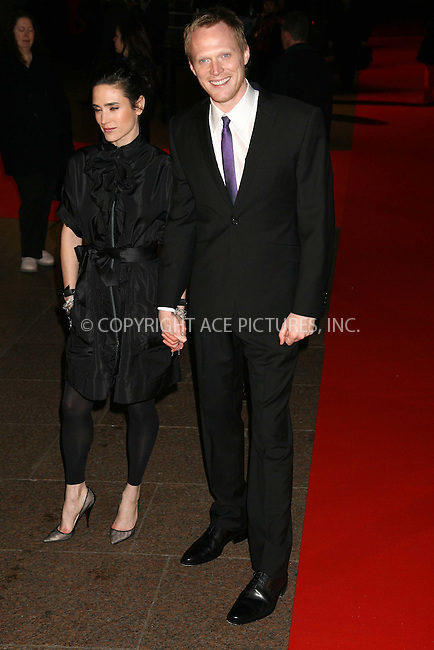 Jennifer Connelly and Paul Bettany at the uk premiere of 'Blood Diamond' at Odeon Leicester Square, London - 23 January 2007 ..FAMOUS PICTURES AND FEATURES AGENCY 13 HARWOOD ROAD LONDON SW6 4QP UNITED KINGDOM tel +44 (0) 20 7731 9333 fax +44 (0) 20 7731 9330 e-mail info@famous.uk.com www.famous.uk.com .FAM19437