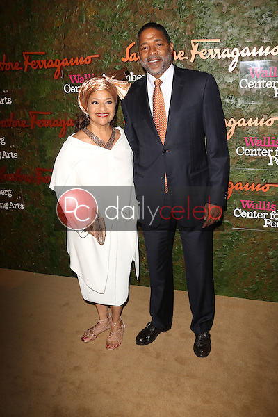 Norm Nixon, Debbie Allen<br /> at the Wallis Annenberg Center For The Performing Arts Inaugural Gala, Wallis Annenberg Center For The Performing Arts, Beverly Hills, CA 10-17-13<br /> David Edwards/DailyCeleb.Com 818-249-4998