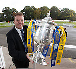 Derek Johnstone with the Scottish Cup