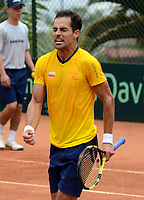 MEDELLIN - COLOMBIA - 07 - 04 - 2017: Santiago Giraldo de Colombia celebra la victoria sobre Nicolas Jarry, de Chile, durante partido de la serie final de partidos en el Grupo I de la Zona Americana de la Copa Davis, partidos entre Colombia y Chile, en Country Club Ejecutivos de la ciudad de Medellin. / Santiago Giraldo Cabal of Colombia celebrates the victory against Nicolas Jarry, of Chile, during a match to the final series of matches in Group I of the American Zone Davis Cup, match between Colombia and Chile, at the Country Club Executives in Medellin city. Photo: VizzorImage / Leon Monsalve / Cont.