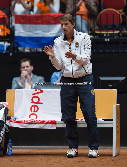 The Netherlands, Den Bosch, 16.04.2014. Fed Cup Netherlands-Japan, Dutch captain Paul Haarhuis<br /> Photo:Tennisimages/Henk Koster