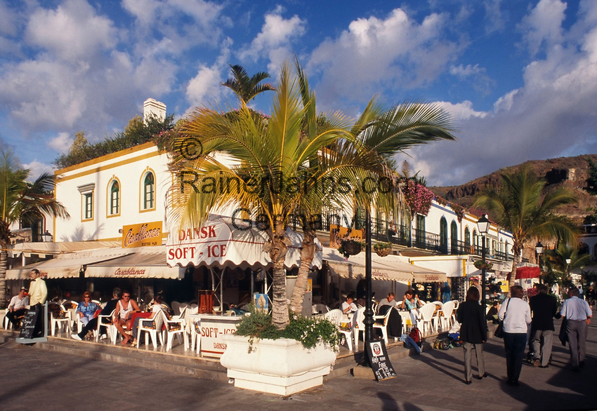 Spanien, Kanarische Inseln, Gran Canaria, Puerto de Mogan: moderner Ort im afrikanischen Stil gebaut   Spain, Canary Islands, Gran Canaria, Puerto de Mogan: modern village, African style