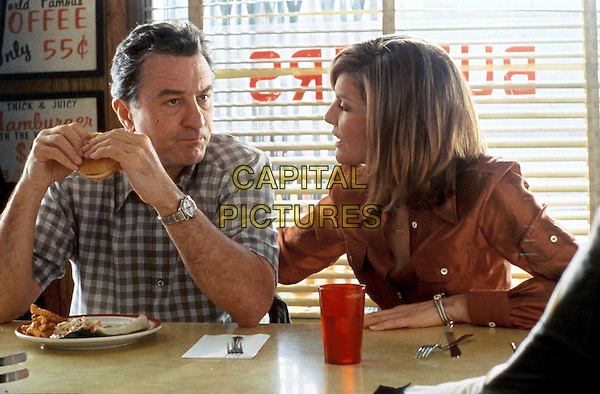 ROBERT DE NIRO & RENE RUSSO.in Showtime.Filmstill - Editorial Use Only.Ref: 11570.CAP/AWFF.supplied by Capital Pictures