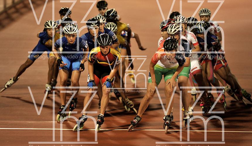 CALI - COLOMBIA - 01-08-2013: Prueba de los 10000 metros Puntos/Eliminación mayores damas en los IX Juegos Mundiales Cali, agosto 1 de 2013. (Foto: VizzorImage / Luis Ramirez / Staff). 10000 metros Points/Elimintion senior ladies the IX World Games Cali, August 1, 2013. (Photo: VizzorImage / Luis Ramirez / Staff).