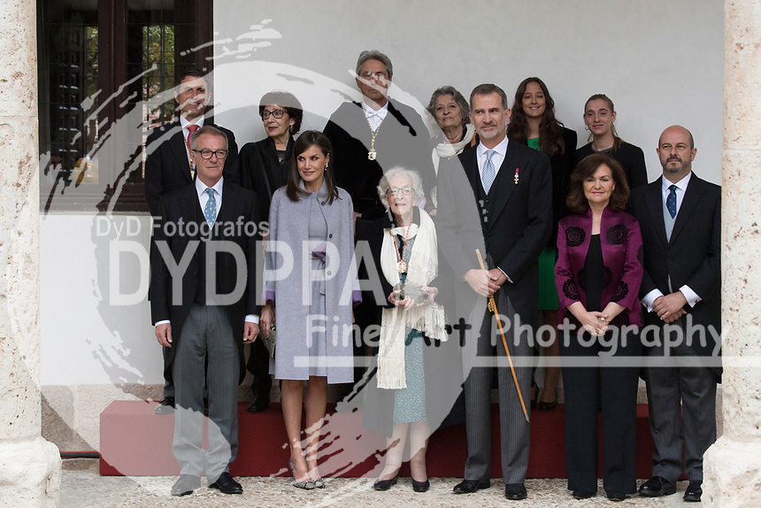 Kings of Spain, King Felipe VI of Spain and Queen Letizia of Spain delivers the Cervantes prize for literature in Spanish to the Uruguayan writer Ida Vitale at the Paraninfo of the Alcala University in the World Heritage City of Alcala de Henares near Madrid on April 23, 2019.<br /> Rector of the Alcala University Fernando Galvan, Alcala Mayor Javier Rodriguez, Vice Prime Minister of Spain Carmen Calvo, King Felipe VI of Spain, Queen Letizia of Spain, Spanish Culture Minister Jose Guirau, Acting President of Madrid community Pedro Rollan and Ida Vitale's relatives