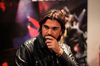SAO PAULO, 27 DE JULHO DE 2012. ENTREVISTA COLETIVA JUANES. O cantor Juanes durante entrevista coletiva sobre o lançamentodo CD MTV Unplugged no Teatro Geo em São Paulo. FOTO:  ADRIANA SPACA - BRAZIL PHOTO PRESS