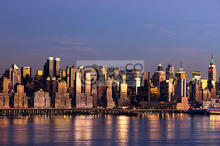 MIDTOWN SKYLINE MANHATTAN NEW YORK CITY USA