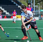 AMSTELVEEN - Tom Hiebendaal (Adam)  tijdens  de hoofdklasse competitiewedstrijd hockey heren,  Amsterdam-SCHC (3-1). COPYRIGHT KOEN SUYK