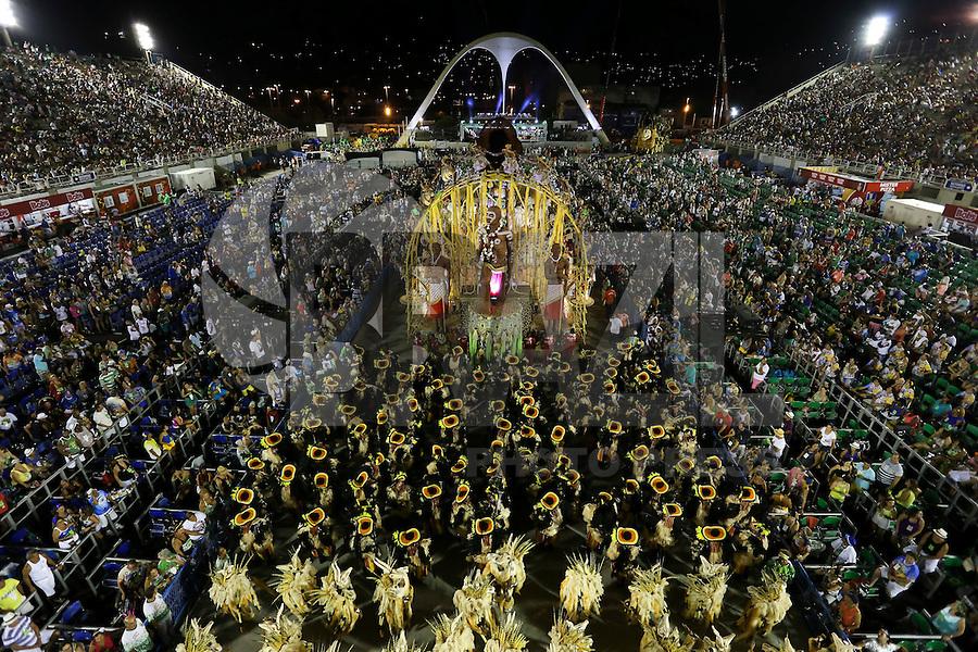 RIO DE JANEIRO, RJ, 17.02.2015 - CARNAVAL 2015 - RIO DE JANEIRO - GRUPO ESPECIAL / IMPERATRIZ LEOPOLDINENSE - Integrantes da escola de samba Imperatriz Leopoldinense durante desfile do grupo especial do Carnaval do Rio de Janeiro, na madrugada desta terça-feira, 17. (Foto: Gustavo Serebrenick / Brazil Photo Press)