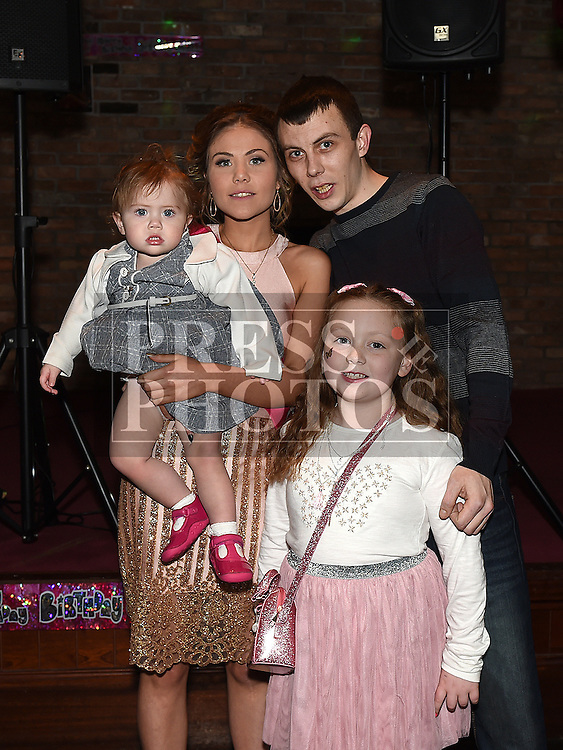 Rosie Smith celebrating her 21st birthday with partner Ross Flood and their children Leah and Lacey in The Venue at McHugh's. Photo:Colin Bell/pressphotos.ie