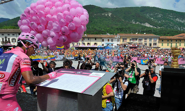 Maglia Rosa leader Nairo Quintant (COL) Movistar Team signs on before Stage 20 of the 2014 Giro d&rsquo;Italia a 167km extreme mountain stage running from Maniago to Monte Zoncolana, Italy. 31st May 2014.<br /> Picture: Gian Mattia D'Alberto/LaPresse/www.newsfile.ie