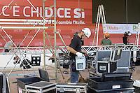 - Milano,  8/2015, preparativi per la festa nazionale dell'Unit&agrave; <br /> ai Giardini Pubblici di Porta Venezia