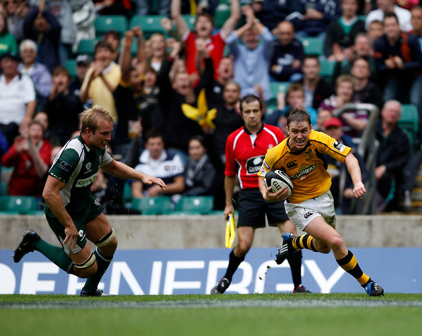 Photo: Richard Lane/Richard Lane Photography. London Irish v London Wasps. Guinness Premiership, London Double Header. 06/09/2008. Wasps' Eoin Reddan runs in for a try.