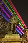 Nederland, Utrecht, 21-03-2011, Lasershow van de Uithof ( universiteits centrum/ campus naar de Dom in de binnenstad van Utrecht nav het 375 jarig bestaan van de Universiteit Utrecht..photo Michael Kooren/ HH.jan van Nassau standbeeld...