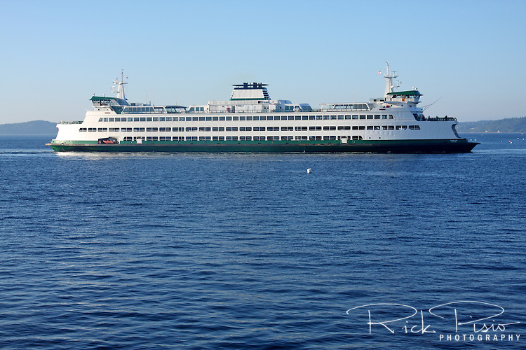 The Washington State Ferry Puyallup approaches the terminal at Edmonds, Washington.