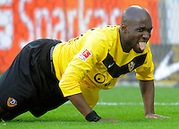Fussball, 2. Bundesliga, Saison 2011/12, SG Dynamo Dresden - Alemannia Aachen, Sonntag (16.10.11), gluecksgas Stadion, Dresden. Dresdens Mickael Pote streckt seine Zunge heraus.