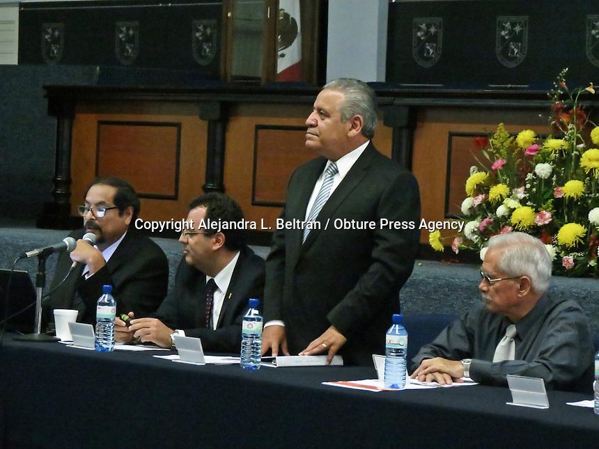 Querétaro, Qro. 29 de octubre 2015. El consejo universitario de la UAQ celebró consejo esta mañana. Foto: Alejandra L. Beltrán / Obture Press Agency