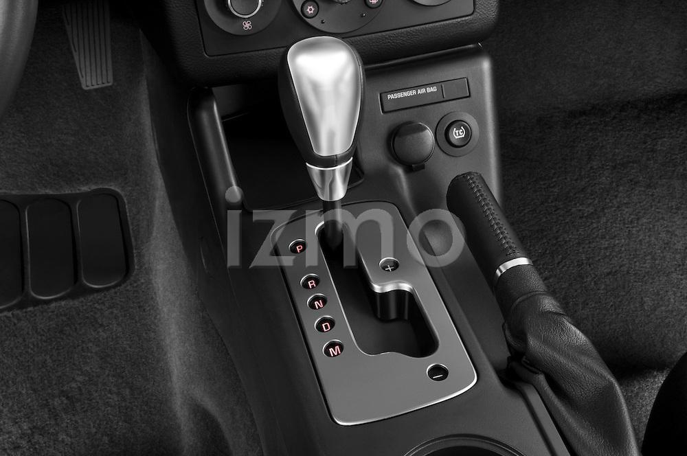 Gear shift detail view of a 2008 Pontiac G6 Sedan GT