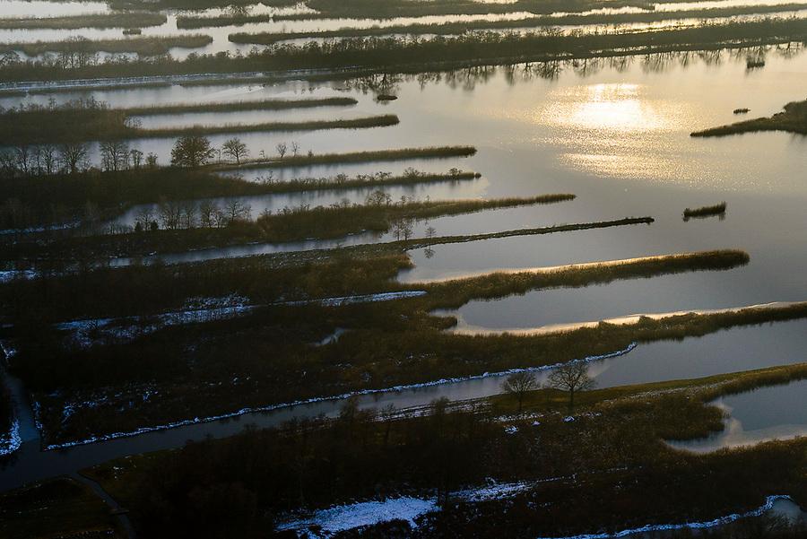 Nederland, Noord-Holland, Hilversum, 14-02-2017; Ankeveen, Ankeveensche plassen, <br /> legakkers in het avondlicht (Ankeveense plassen).<br /> Peat strips (fields) in the evening, wetlands near Amsterdam.<br /> luchtfoto (toeslag op standard tarieven);<br /> aerial photo (additional fee required);<br /> copyright foto/photo Siebe Swart