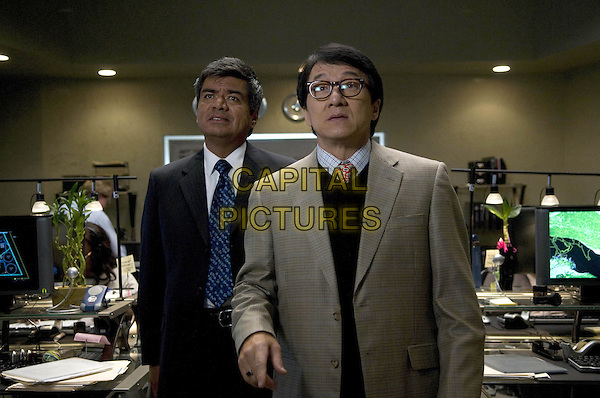 GEORGE LOPEZ & JACKIE CHAN.in The Spy Next Door .*Filmstill - Editorial Use Only*.CAP/FB.Supplied by Capital Pictures.