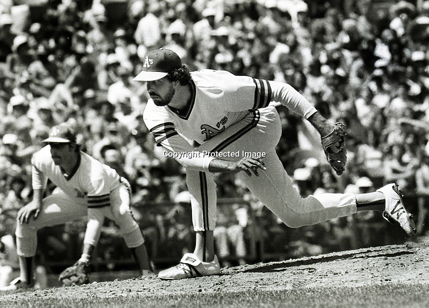 Oakland A's pitcher Bo McLaughlin pitching in 1981..(photo by Ron Riesterer/Oakland Tribune)