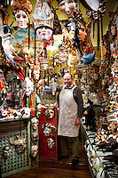 ITALY - VENICE - Mask Makers