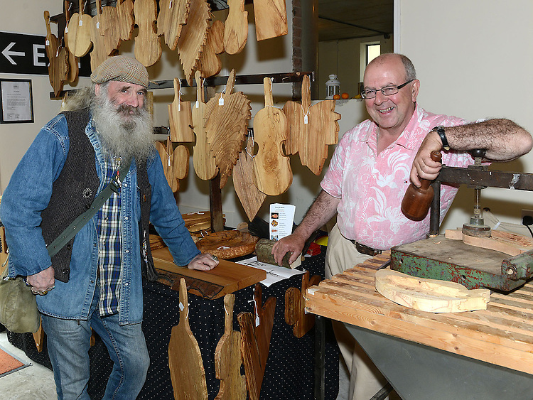 Seanaí Murphy and Terry O'Brienat the Old Schoolhouse Market. Photo:Colin Bell/pressphotos.ie