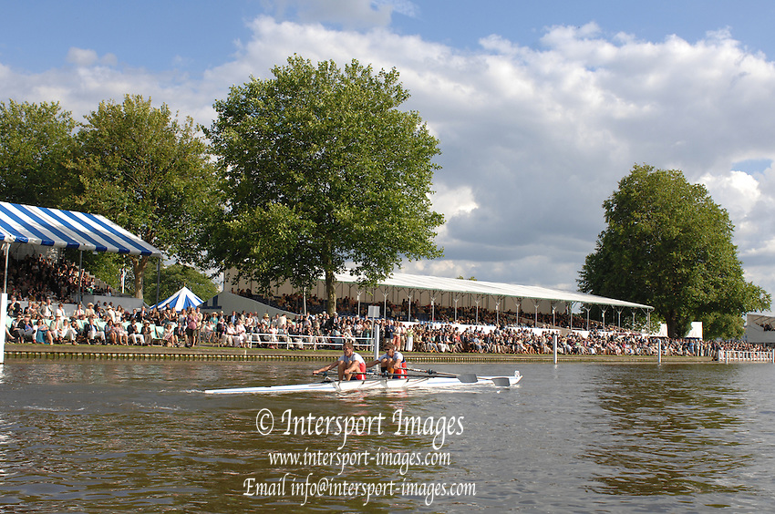 Henley, Great Britain.  Double Sculls Challenge Cup, SLO M2X, at the  2007 Henley Royal Regatta,  Henley Reach, England 07/07/2007  [Mandatory credit Peter Spurrier/ Intersport Images] Rowing Courses, Henley Reach, Henley, ENGLAND . HRR.