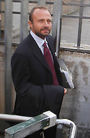 I PM escono dal palazzo di Giustizia dopo La sentrenza di rinvio a giudizio si Berlusconi per la compravendita dei senatori<br /> nella  foto Henry John Woodcock  Napoli 23 10 2013